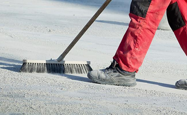 Tips for Cleaning Asphalt Driveways